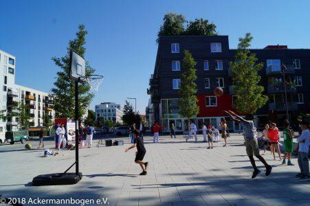 NachbarschaftsBörse am Ackermannbogen: Aneignung des öffentlichen Raums durch Spiel- und Sportangebote